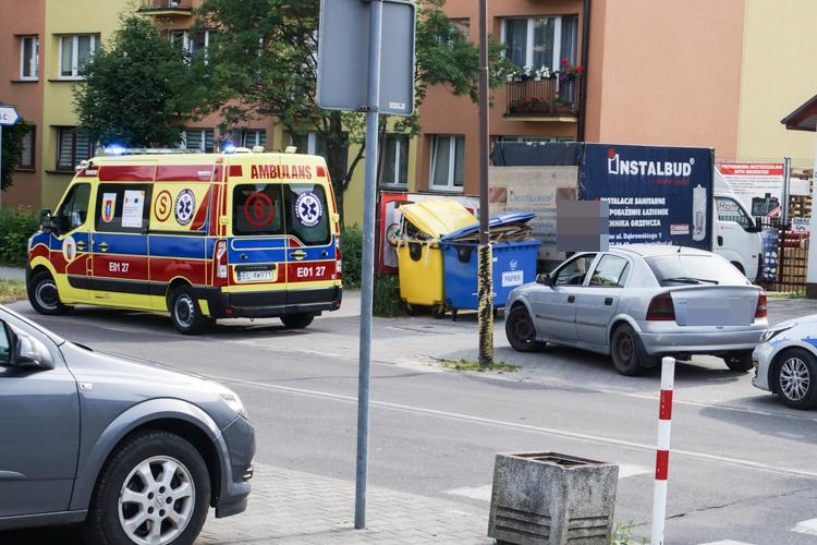 Potrącenie dziecka na ul. Czyżewskiego. Na miejscu policja oraz karetka - Zdjęcie główne