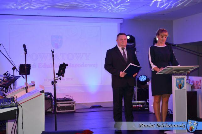 """Powiatowe obchody """"Dnia Nauczyciela"""" w Hotelu Wodnik [FOTO] - Zdjęcie główne"""