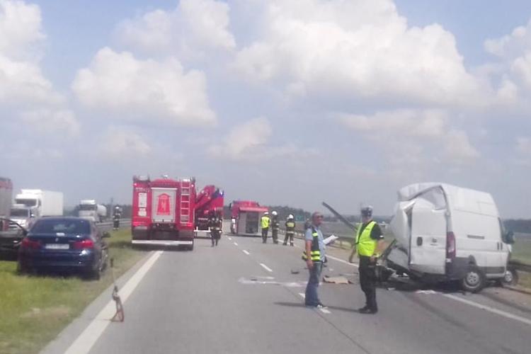 Ciężarówka staranowała fiata na trasie S8. Ciężko ranny 39-latek z powiatu bełchatowskiego  - Zdjęcie główne
