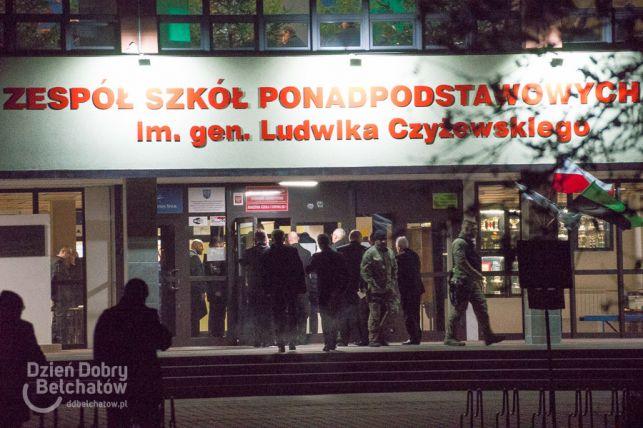 Andrzej Duda odwiedził bełchatowskich górników. Kibice przywitali go głośną manifestacją [FOTO] - Zdjęcie główne