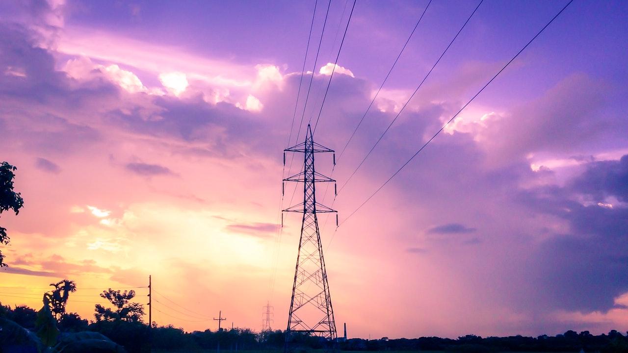 PGE zapowiada wyłączenia dostaw energii. Gdzie i kiedy nie będzie prądu?  - Zdjęcie główne
