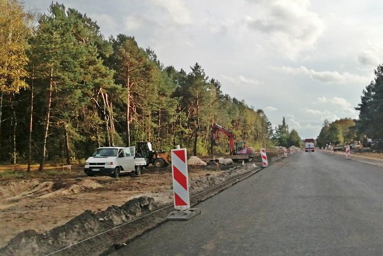 """Kierowców czekają utrudnienia na drodze do kopalni. ''Wahadło"""" na kolejnym odcinku remontowanej drogi  - Zdjęcie główne"""