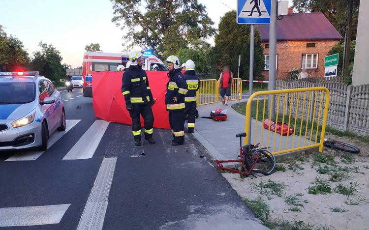 Tragedia na drodze w powiecie bełchatowskim. Nie żyje rowerzysta [FOTO] - Zdjęcie główne