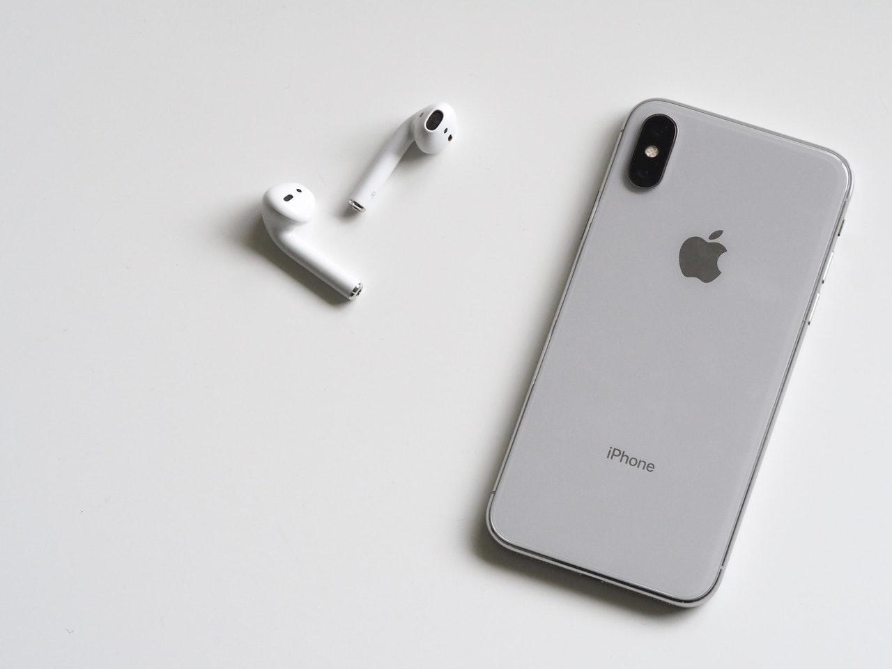 Jak wybrać dobry serwis smartfonów? - Zdjęcie główne