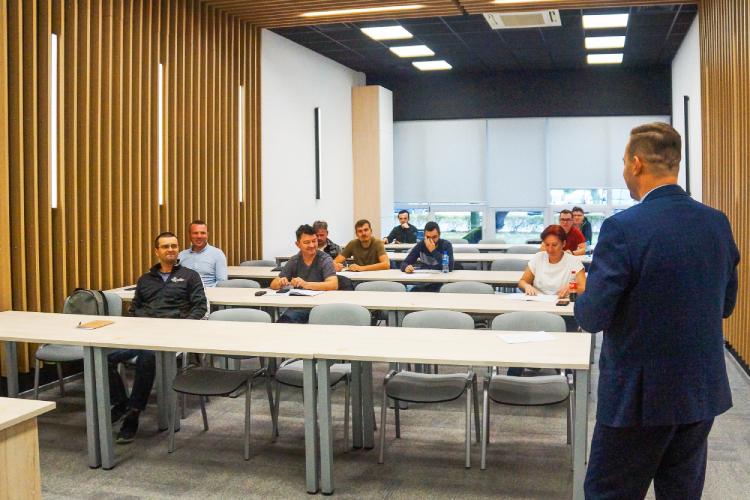 Centrum Rozwoju Kompetencji PGE rozpoczęło szkolenia. Jakie wrażenia po pierwszych zajęciach? - Zdjęcie główne