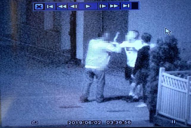 Pokłócił się z dziewczyną, więc pobił przechodnia. Awantura w centum Bełchatowa tuż przed kamerami monitoringu - Zdjęcie główne