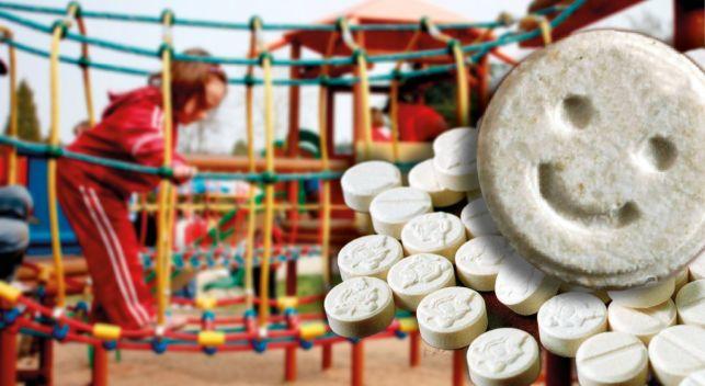 Podejrzane tabletki na bełchatowskim placu zabaw. Czy to były narkotyki? - Zdjęcie główne
