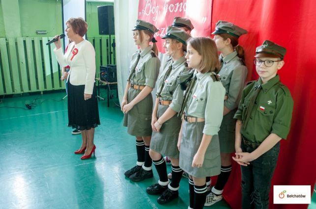 Obchody 101 rocznicy odzyskania niepodległości w SP 8 oraz III LO [FOTO] - Zdjęcie główne