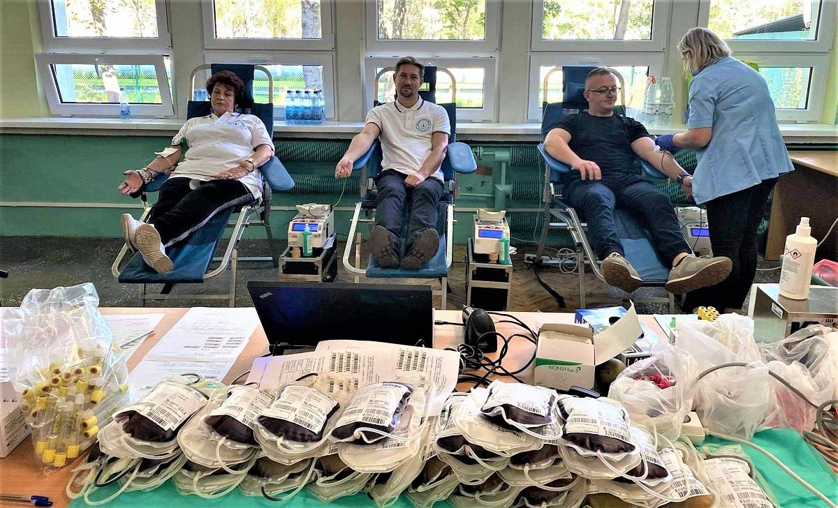 Górnicy zorganizowali akcję, aby uratować życie. Aż 11 litrów krwi przekażą dla trzech osób - Zdjęcie główne