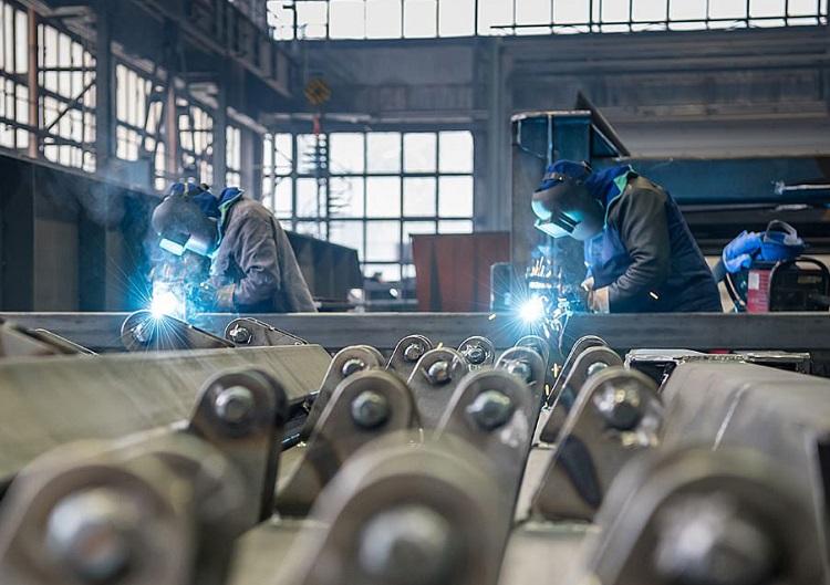 Co dalej ze spółkami zależnymi PGE? Rewolucja w energetyce oznacza problem dla tysięcy pracowników - Zdjęcie główne