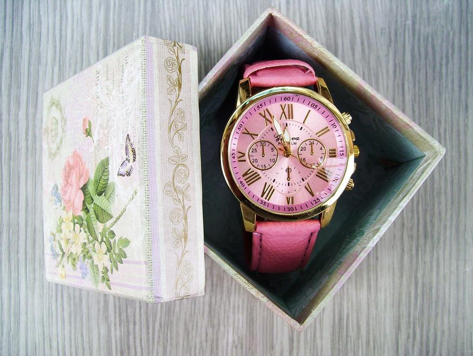 Zegarek idealny, czyli jaki? Poznaj najważniejsze cechy godnych zaufania czasomierzy! - Zdjęcie główne