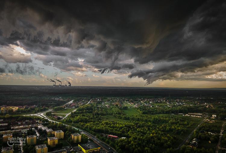 Niesamowite chmury nad Bełchatowem. Zobacz malownicze zdjęcia - Zdjęcie główne