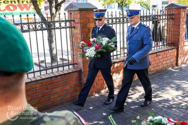 Bełchatowianie uczcili 15 sierpnia. Uroczysta msza, złożenie kwiatów i medale Ministra Obrony Narodowej [FOTO] - Zdjęcie główne