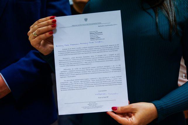 Posłanka Janowska oczekuje surowych kar za takie wizyty na terenie elektrowni. Co na to Ziobro i Morawiecki? - Zdjęcie główne