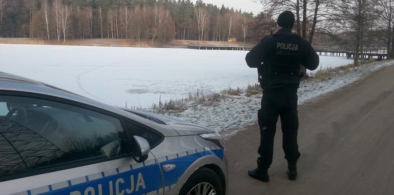 Policja ostrzega - lód bywa zdradliwy  - Zdjęcie główne