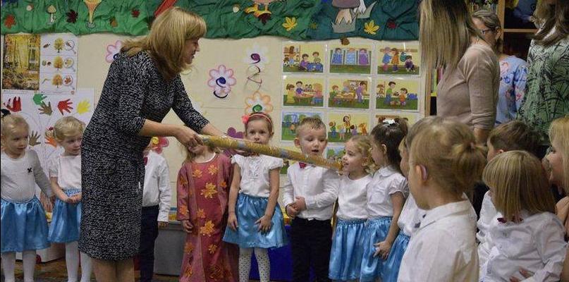 """Maluchy z """"Dwójki"""" pasowane na przedszkolaków - Zdjęcie główne"""