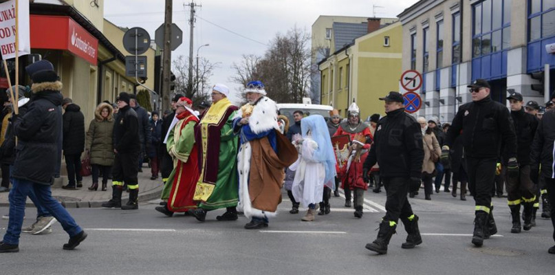 Trzej Królowie przeszli przez Gostynin [FOTO] - Zdjęcie główne