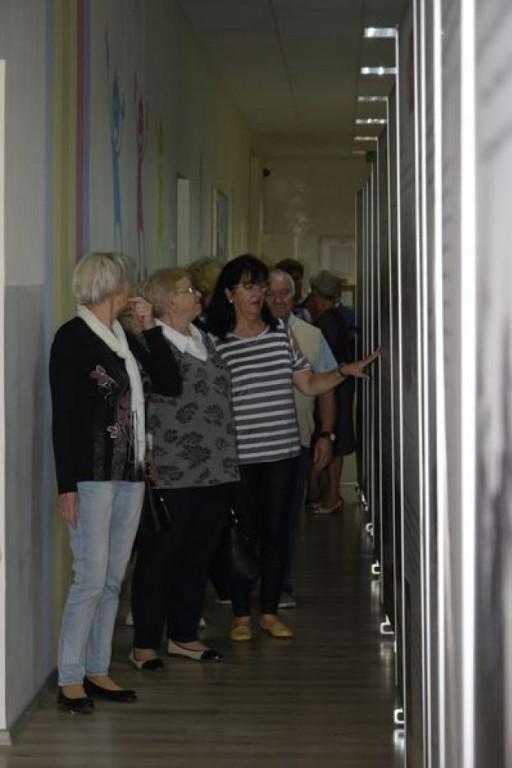 """Gostynińscy seniorzy obejrzeli wystawę """"W drodze do niepodległości"""" - Zdjęcie główne"""