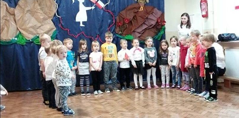 Przedszkolaki recytowały patriotyczną poezję - Zdjęcie główne