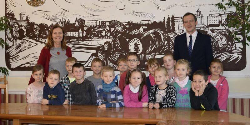 Uczniowie z wizytą u burmistrza - Zdjęcie główne