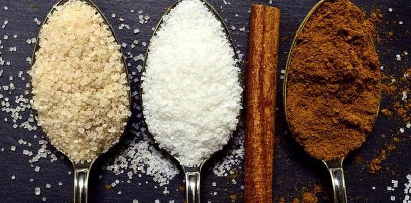 Słodziki sztuczne i naturalne. W jaki sposób pomogą ograniczyć spożycie cukru? - Zdjęcie główne