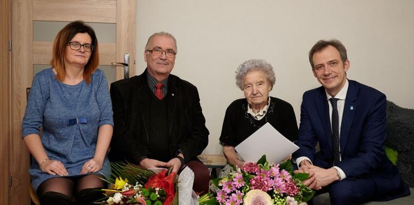 Sto lat pani Apolonii! - Zdjęcie główne