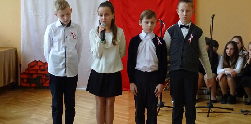 IV Gminny Konkurs Recytatorski Poezji Patriotycznej w Zwoleniu - Zdjęcie główne