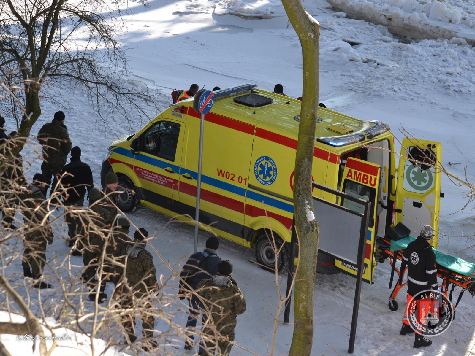 [ZDJĘCIA] Pojechał do Płocka i skoczył z mostu do Wisły. 48-latek z Gostynina nie żyje - Zdjęcie główne