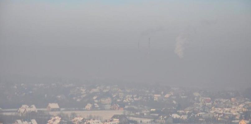 Uwaga! Zła jakość powietrza - Zdjęcie główne