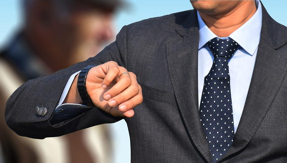 Noś zegarki świadomie i unikaj modowych wpadek. Sprawdź nasz krótki poradnik - Zdjęcie główne