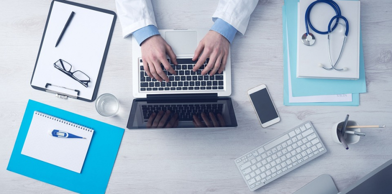 Asystenci medyczni mogą wystawiać elektroniczne zwolnienia - Zdjęcie główne