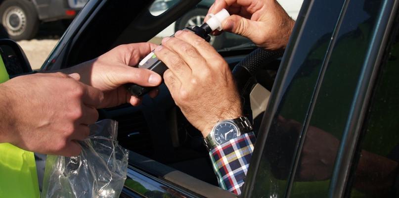 Policja przedłuża wzmożone kontrole - Zdjęcie główne