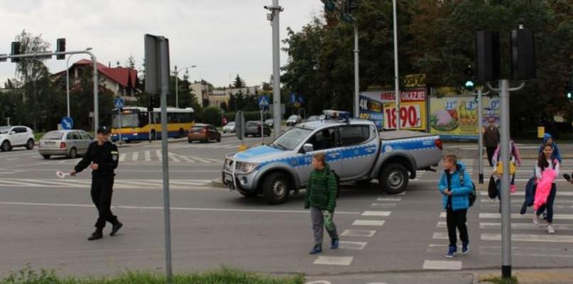 Ewakuacja bloku i przedszkola w Płocku. Znaleziono materiały wybuchowe! - Zdjęcie główne