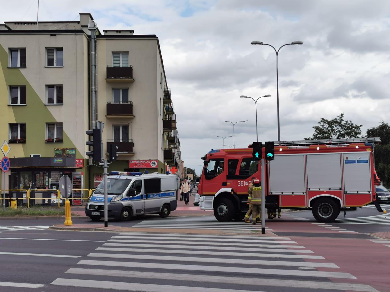 Reanimacja mężczyzny w centrum miasta  - Zdjęcie główne