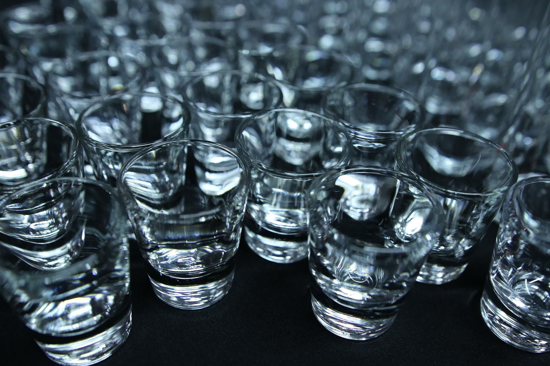 Alkohol i papierosy podrożeją od 1 stycznia? Jest projekt ministerstwa  - Zdjęcie główne