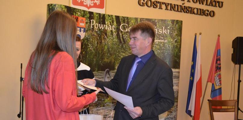 Starosta wręczył nagrody laureatom konkursu ekologicznego - Zdjęcie główne