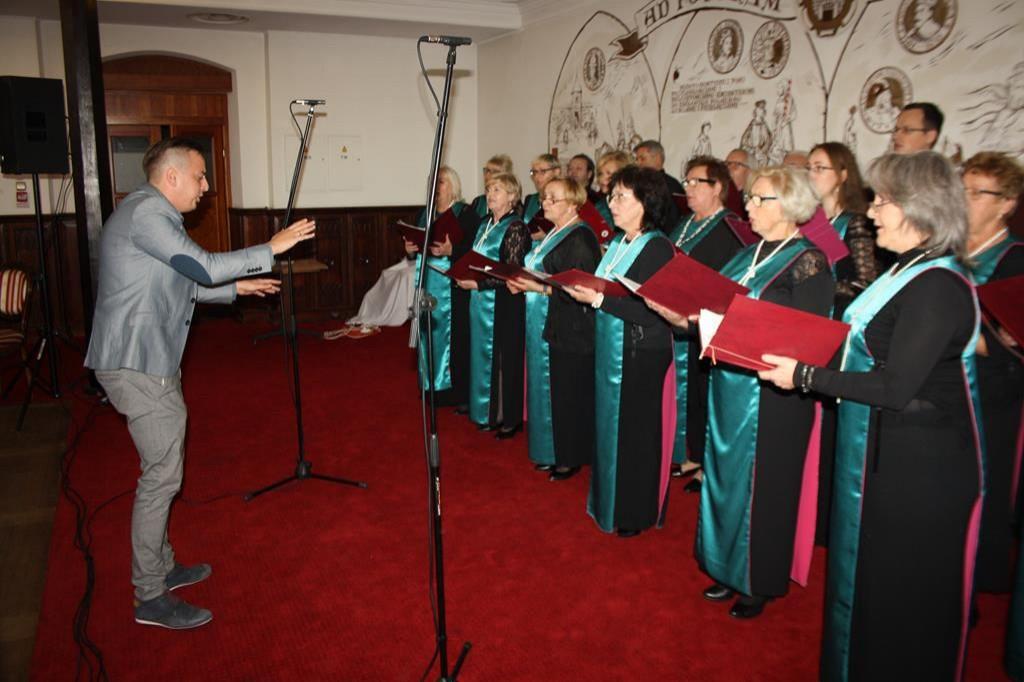 Niedzielny festiwal chórów w Gostyninie - Zdjęcie główne