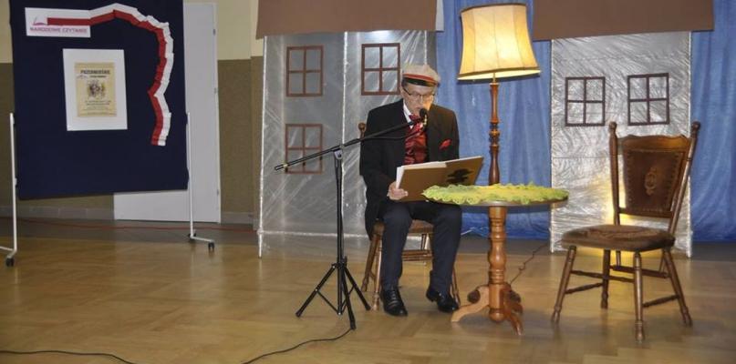 """W Szczawinie Kościelnym czytali """"Przedwiośnie"""" - Zdjęcie główne"""
