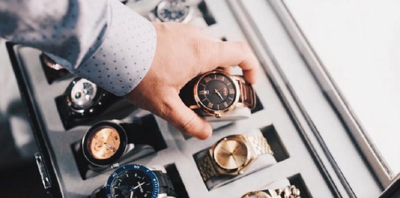 Jak dobrać zegarek? Poznaj najnowsze trendy! - Zdjęcie główne