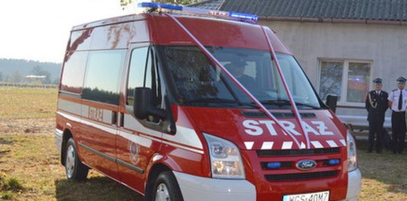 [ZDJĘCIA] OSP Kazimierzów otrzymała nowy samochód - Zdjęcie główne