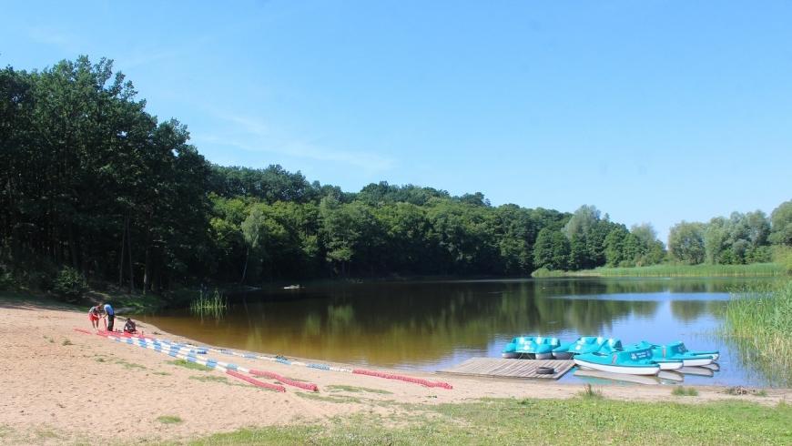 Miejskie kąpielisko ponownie otwarte. Jezioro Bartoszewo znów bezpieczne - Zdjęcie główne