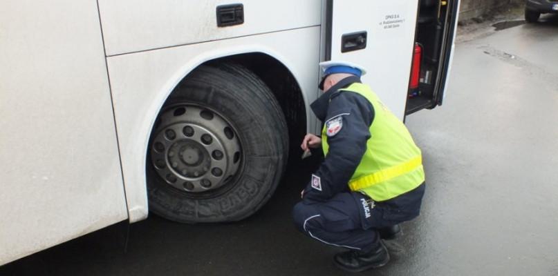 Drogówka skontroluje autokary - Zdjęcie główne