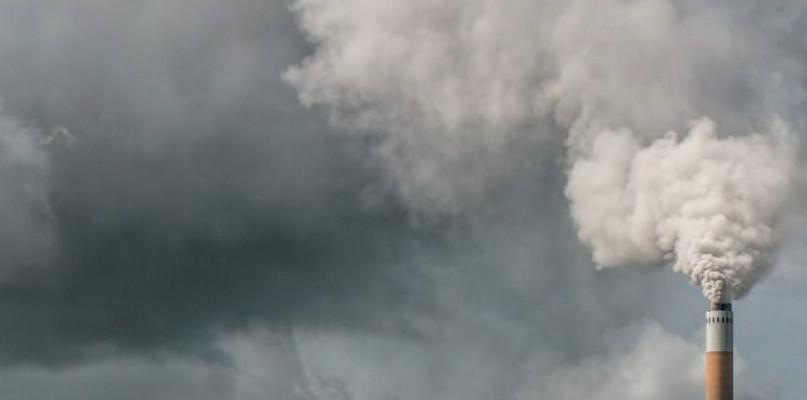 Uwaga: zła jakość powietrza - Zdjęcie główne
