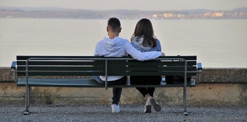 Jak znaleźć miłość w sieci?  - Zdjęcie główne
