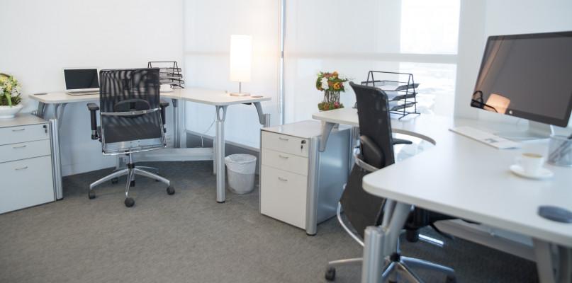 Co czym musisz wiedzieć, zanim podpiszesz umowę z wirtualnym biurem w Warszawie? - Zdjęcie główne