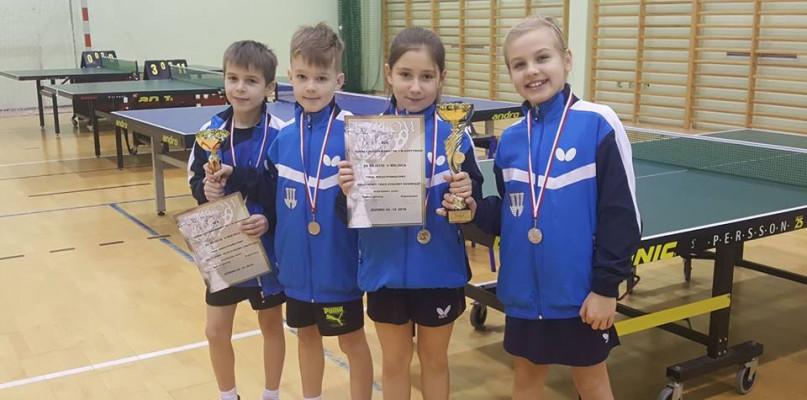 """Młodzi tenisiści """"Trójki"""" wśród najlepszych drużyn województwa!  - Zdjęcie główne"""