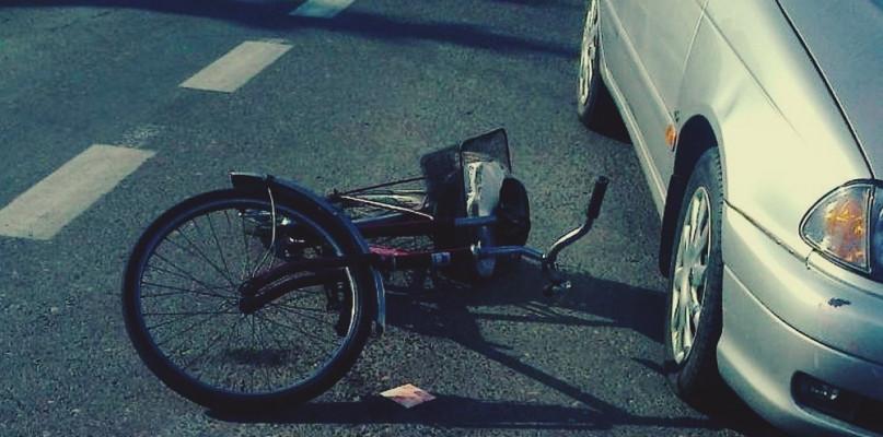 Wypadek pod Szczawinem, rowerzystka w szpitalu - Zdjęcie główne