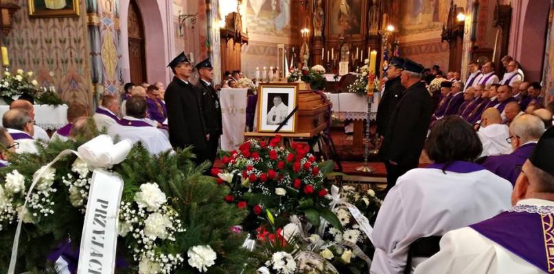 Parafianie pożegnali ks. proboszcza [ZDJĘCIA] - Zdjęcie główne