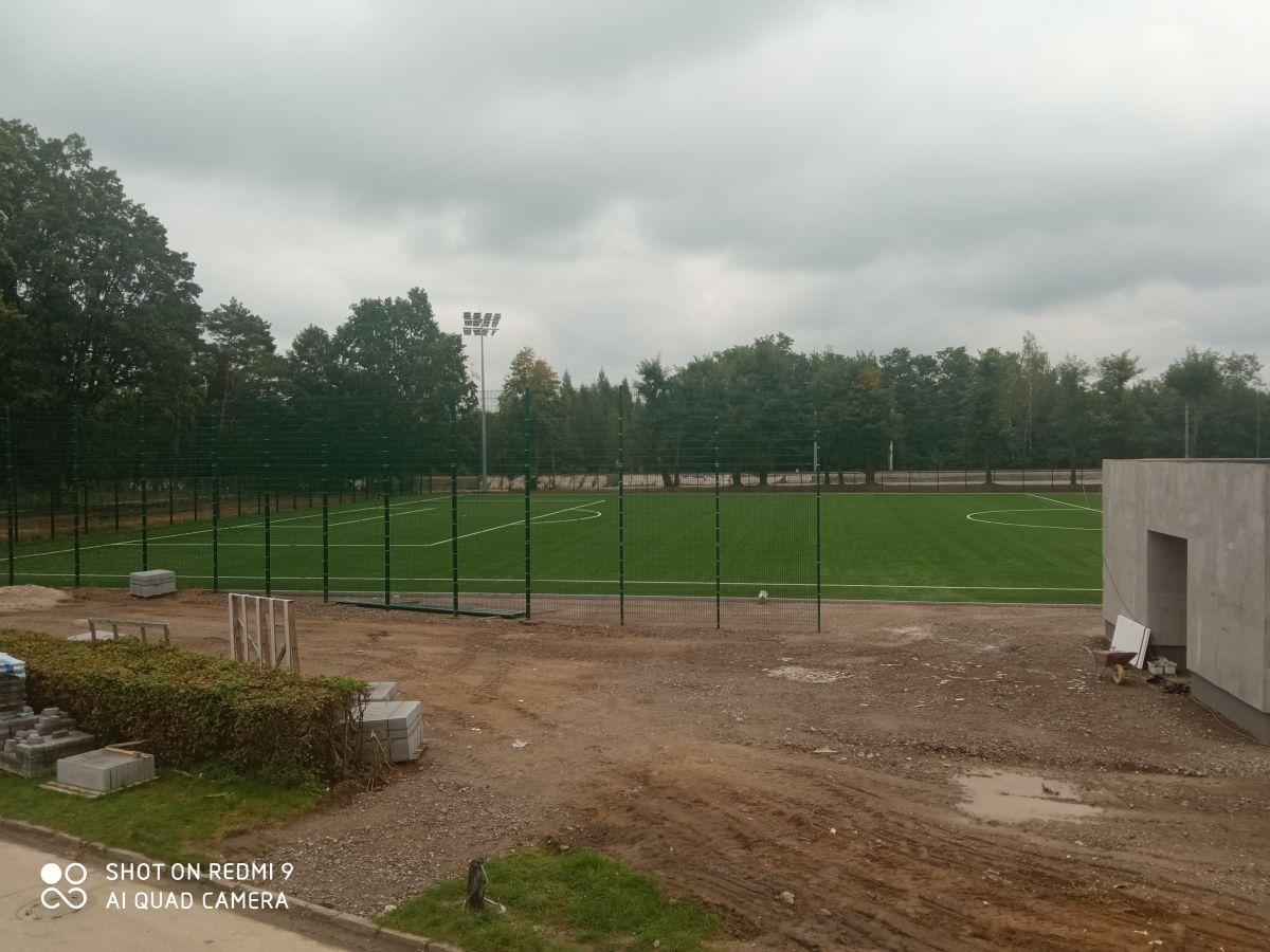 Praca na stadionie trwają. Koniec w połowie października - Zdjęcie główne