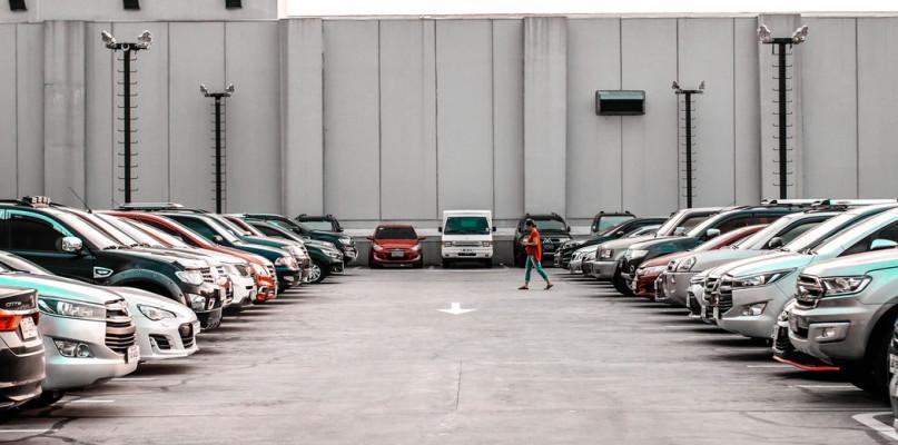 Sposób na podróżowanie – wynajem aut w Polsce - Zdjęcie główne